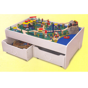 101 Pc Deluxe Train Set 17429 (KK)