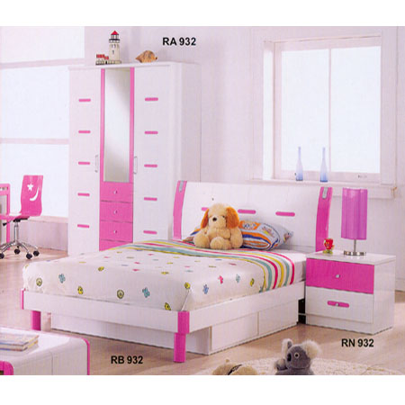 Childrens Bedroom Furniture: Youth Bedroom Set In Pink And ...